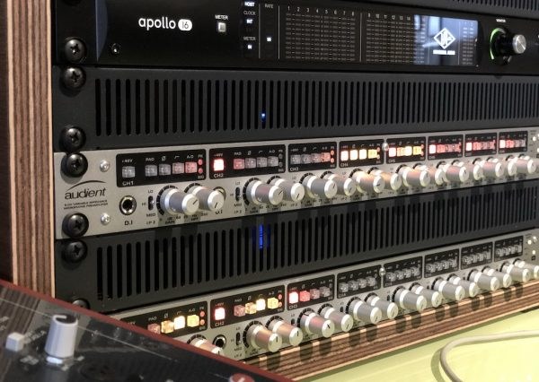 Apollo 16 and Universal Audio - Audient Pre amps